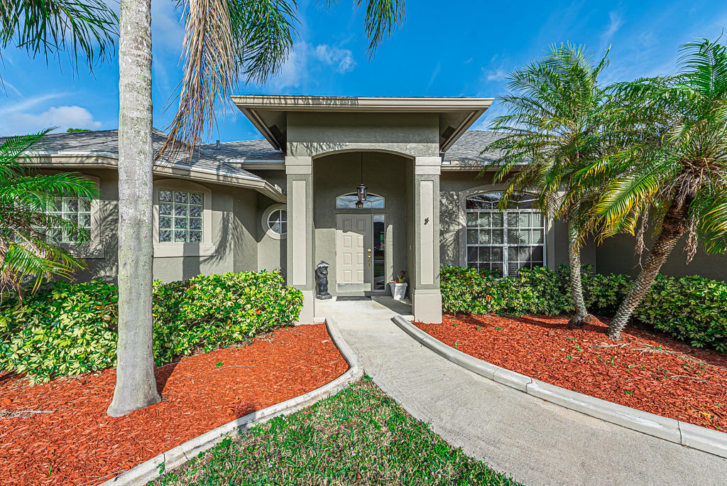 135 Monterey Way Royal Palm Beach, FL 33411