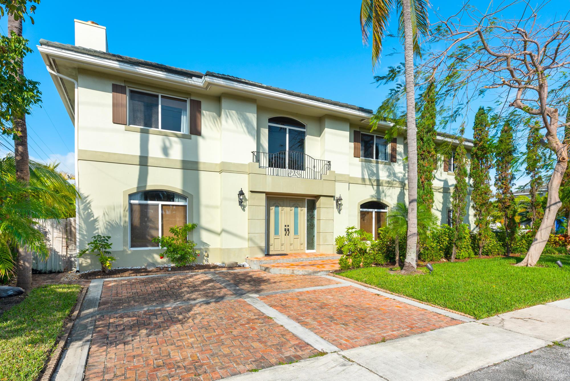 1195 NE 5th Avenue  Boca Raton, FL 33432