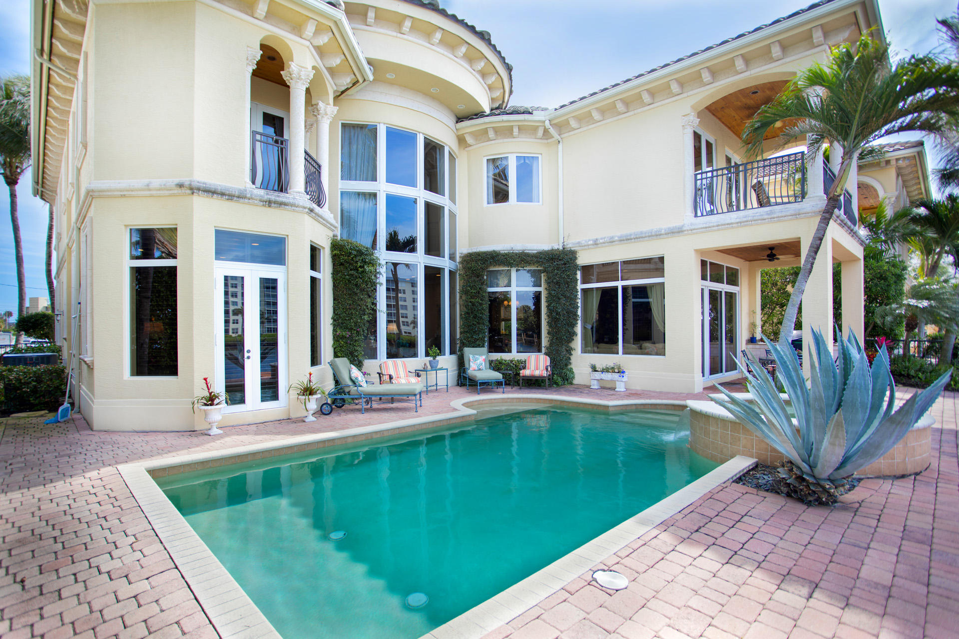 1002 Brooks Lane, Delray Beach, Florida 33483, 5 Bedrooms Bedrooms, ,5 BathroomsBathrooms,Single Family Detached,For Sale,Brooks,RX-10596080