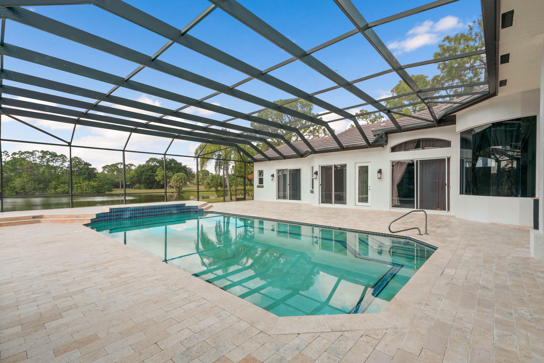 8131 Woodsmuir Drive Palm Beach Gardens, FL 33412 photo 5