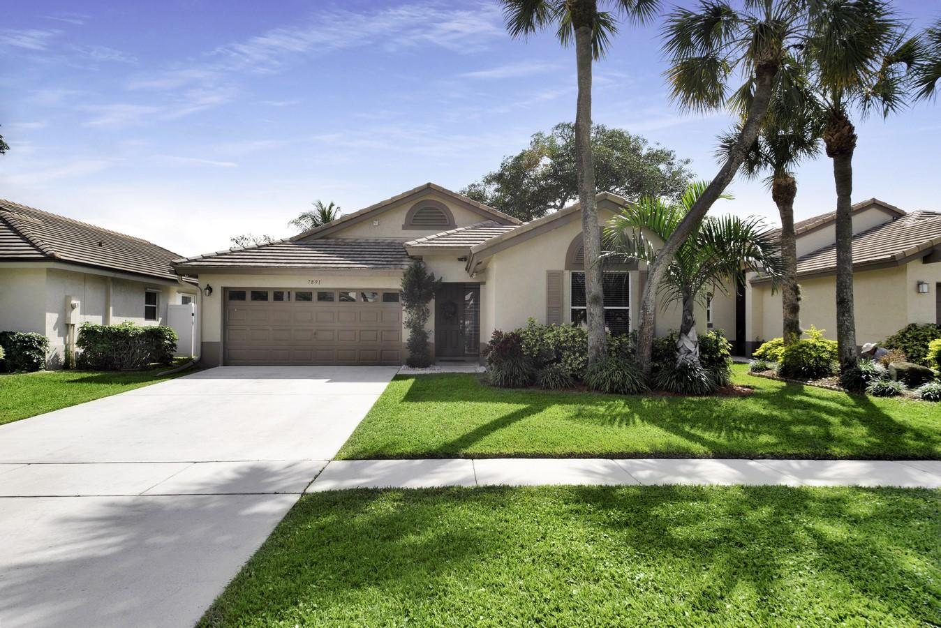 7891 Manor Forest Boulevard  Boynton Beach, FL 33436