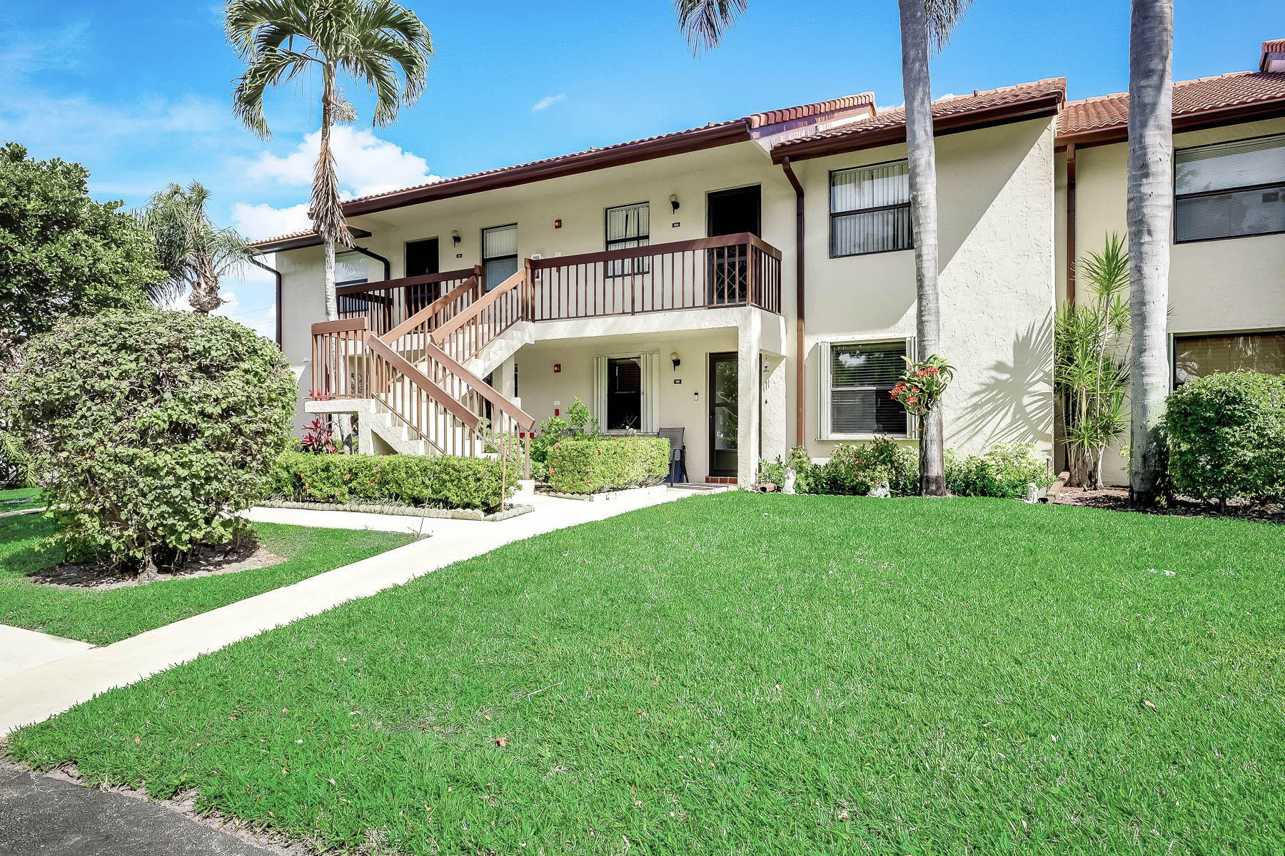 Home for sale in Lucerne Lakes  /  Golf Colony Lake Worth Florida