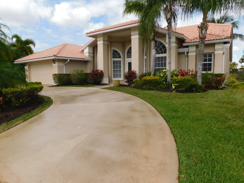 126 Fernwood Crescent Royal Palm Beach, FL 33411