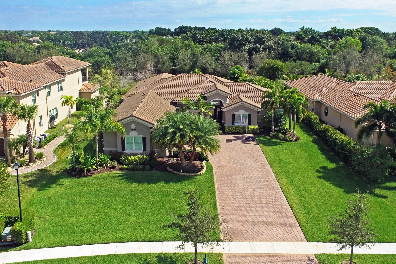 Home for sale in bay hill estates Palm Beach Gardens Florida