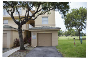 2040  Greenview Shores Boulevard 224 For Sale 10602225, FL