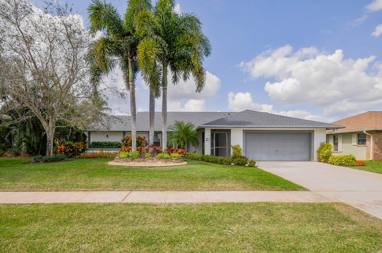 Home for sale in Sugar Pond Monor Wellington Florida