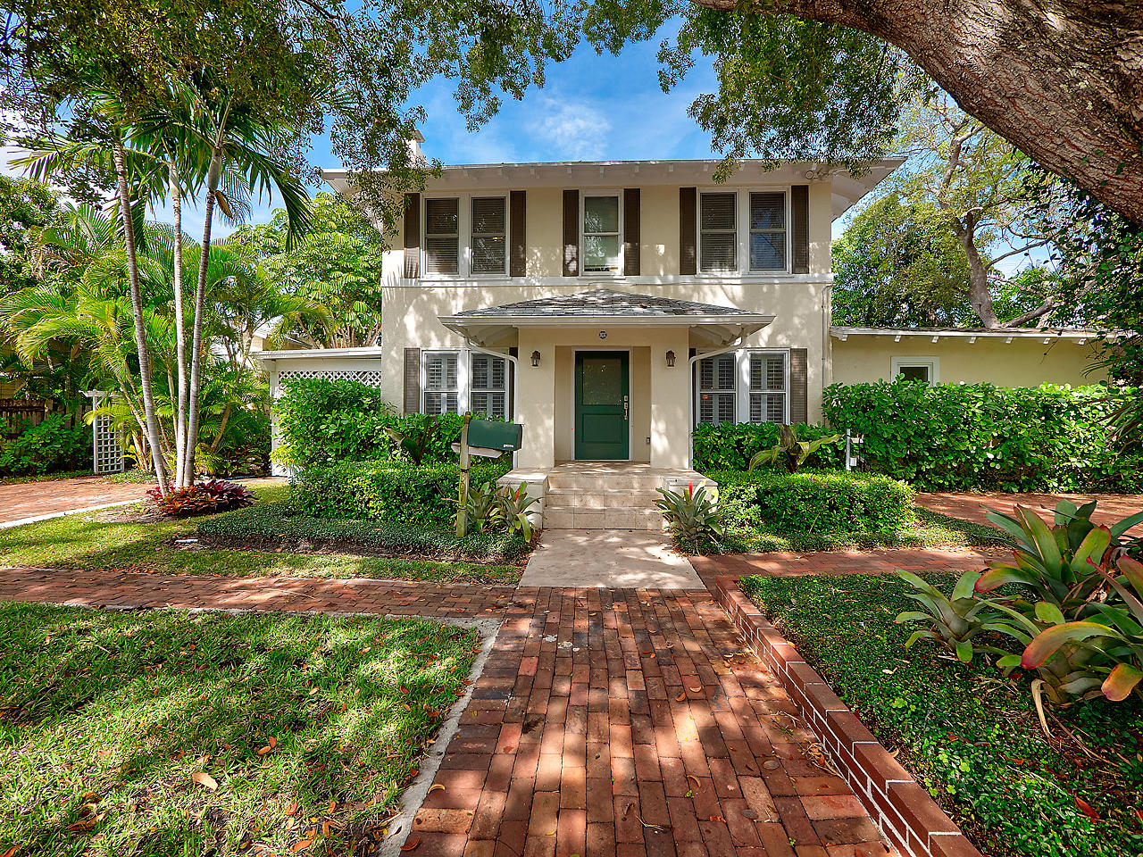 Home for sale in CARLBERG COURT ADD 1 West Palm Beach Florida
