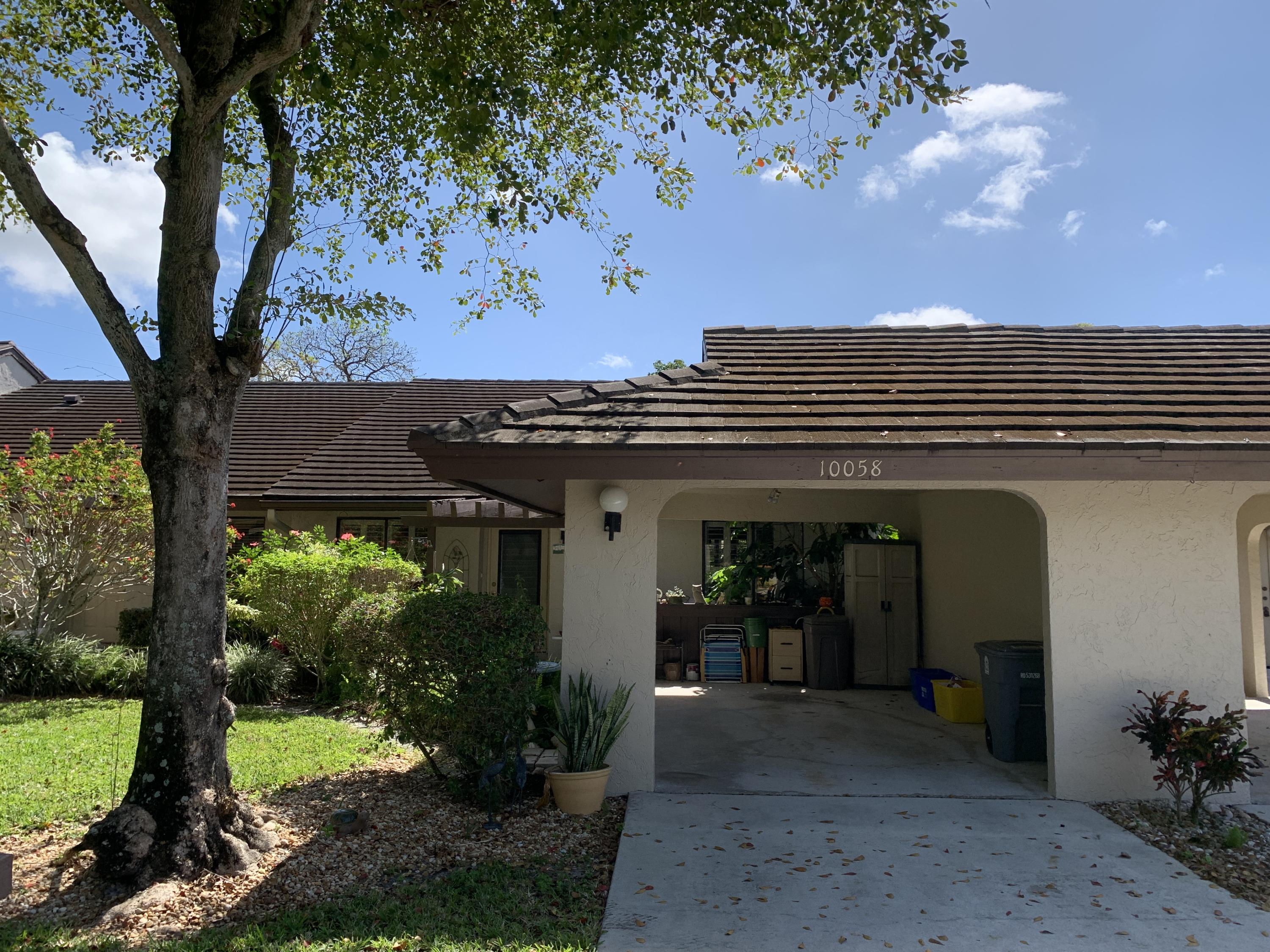 Home for sale in Banyan Springs - CEDAR POINT 6 Boynton Beach Florida