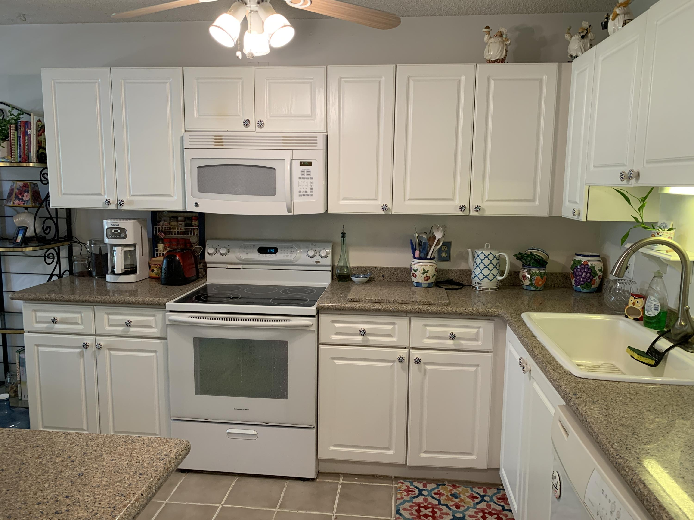 10058 Shadywood Place Boynton Beach, FL 33437 photo 3