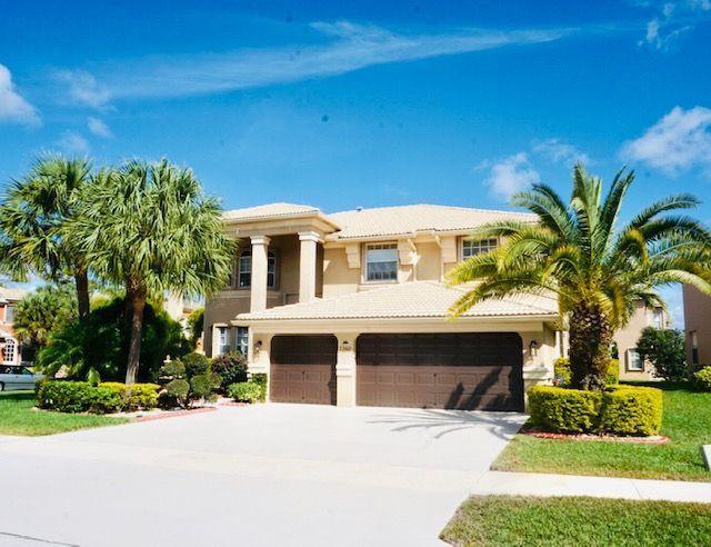 2260 Ridgewood Circle Royal Palm Beach, FL 33411