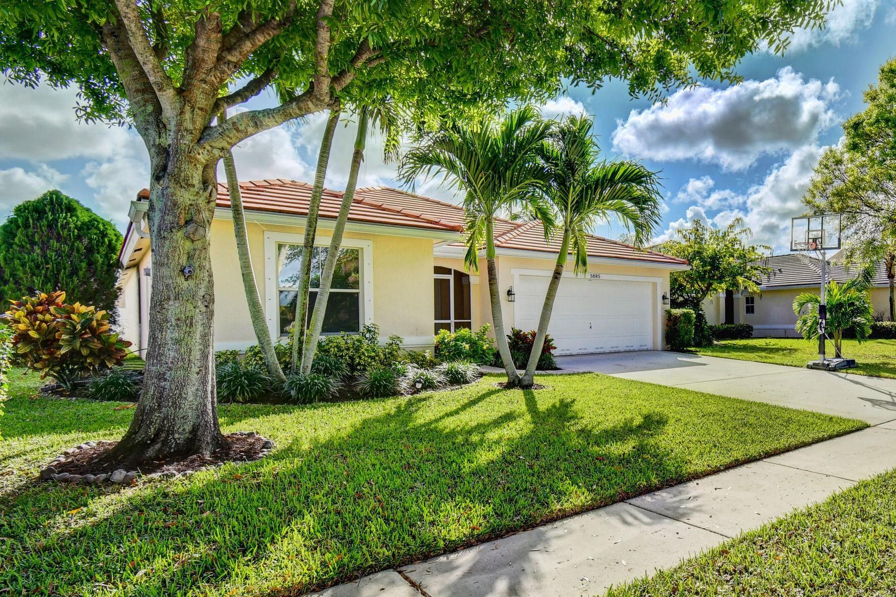 5885 Las Colinas Circle  Lake Worth FL 33463