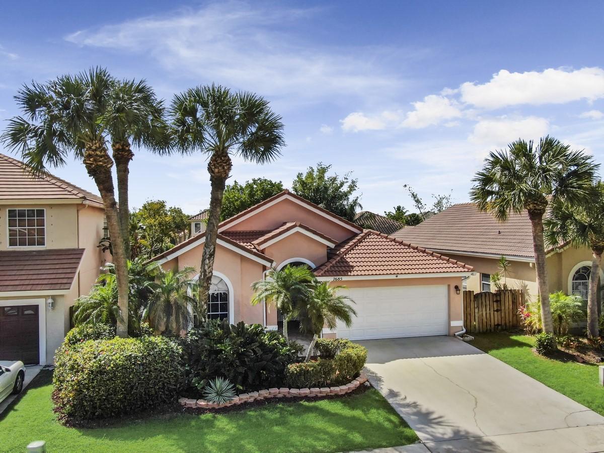 Home for sale in Lake Charleston Lake Worth Florida