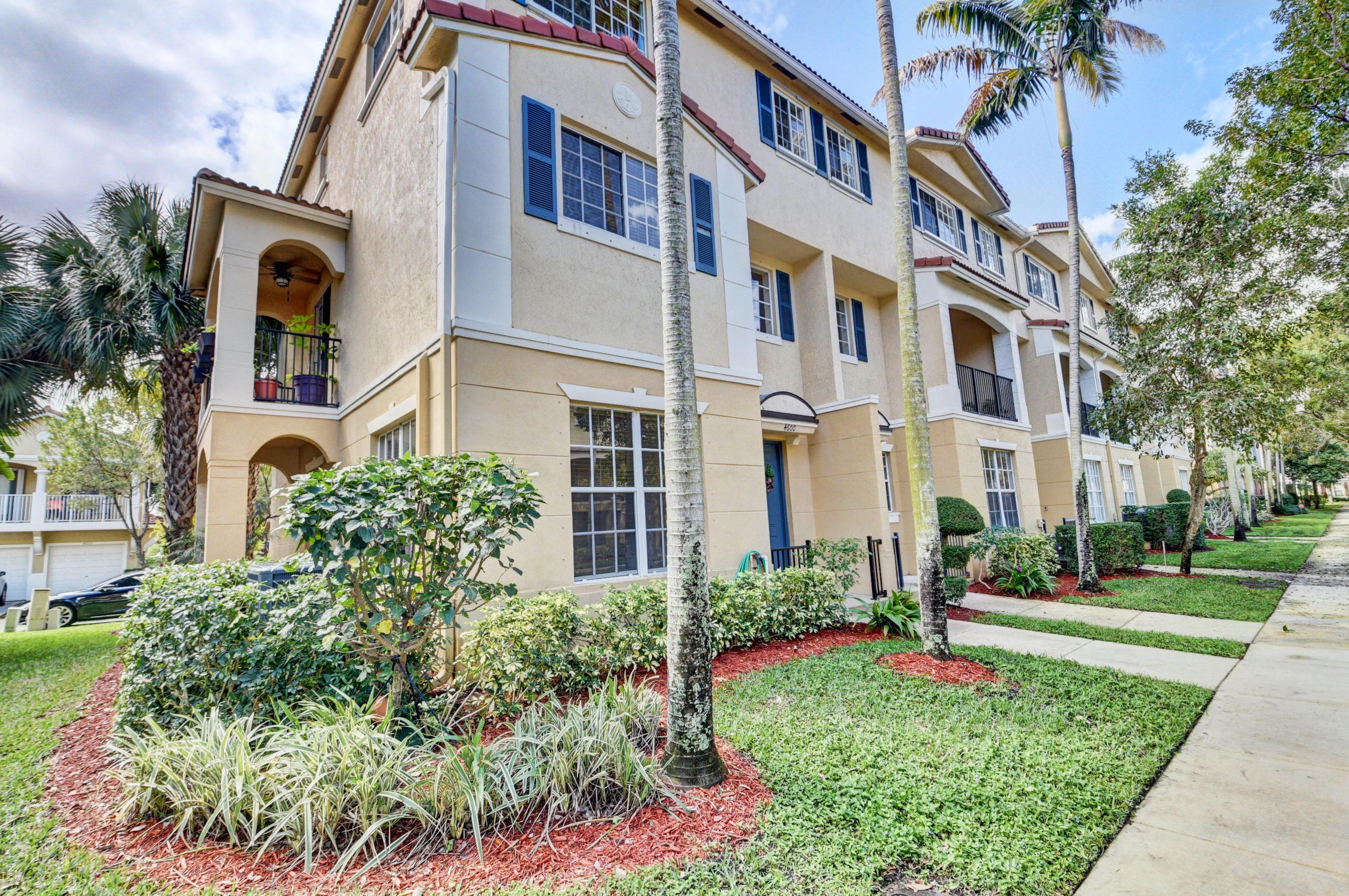 4600 Danson Way, Delray Beach, Florida 33445, 3 Bedrooms Bedrooms, ,2.1 BathroomsBathrooms,A,Townhouse,Danson,RX-10603191