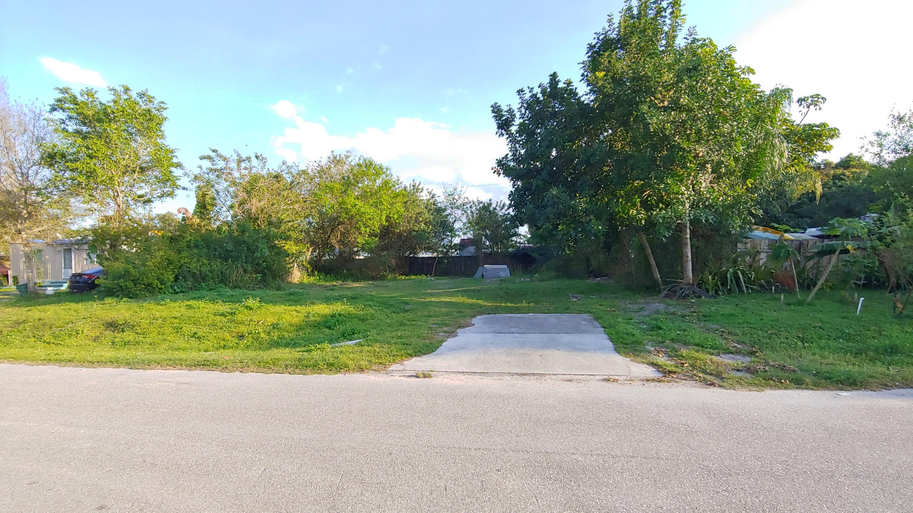 Home for sale in SUNSHINE PARKWAY MANOR Stuart Florida