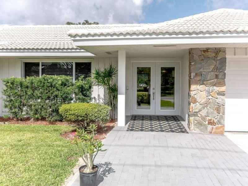 143 Country Club Drive, Tequesta, Florida 33469, 3 Bedrooms Bedrooms, ,2 BathroomsBathrooms,F,Single family,Country Club,RX-10603666