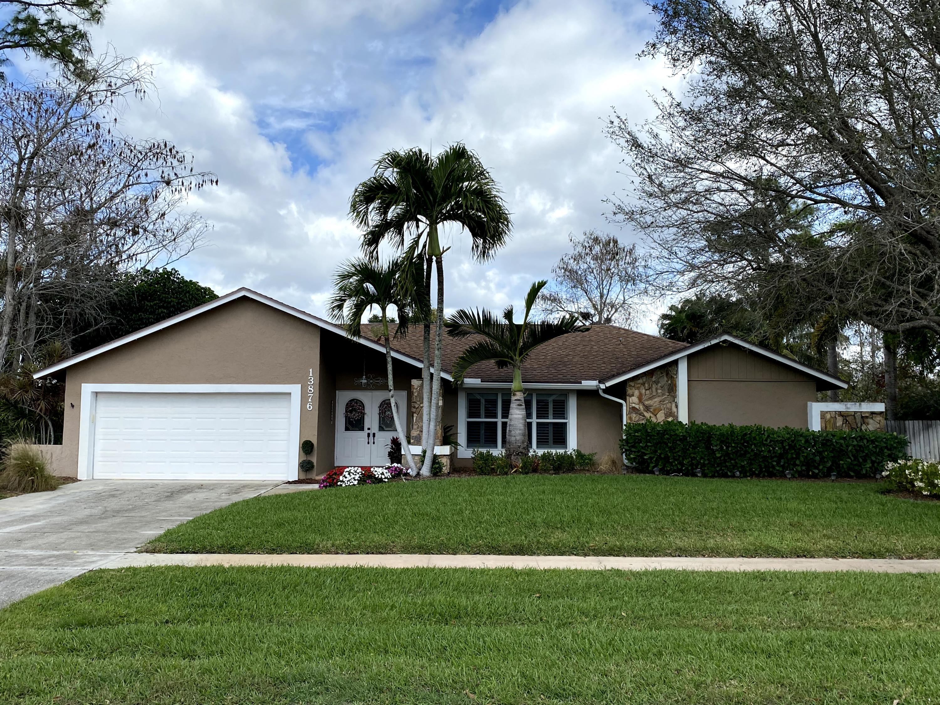Home for sale in PINEWOOD MANOR OF WELLINGTON Wellington Florida