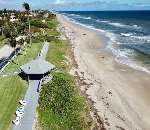 5505 N Ocean Boulevard 11-209 For Sale 10603751, FL