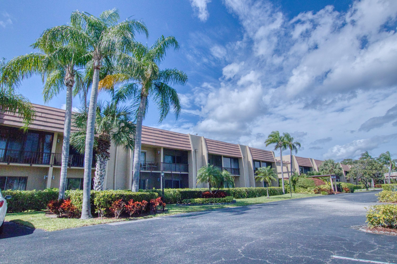 4661 Fountains Drive 111 Lake Worth, FL 33467