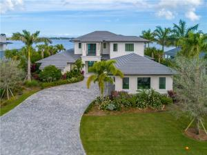 2810 SW Rivers End Way  For Sale 10603877, FL