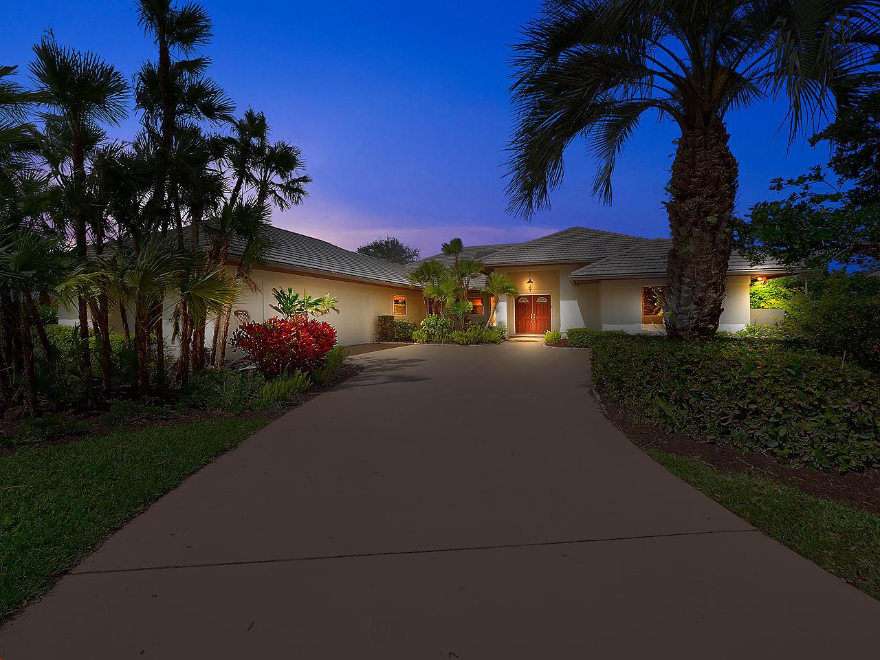 6425 Oakmont Place, Stuart, Florida 34997, 3 Bedrooms Bedrooms, ,4 BathroomsBathrooms,A,Single family,Oakmont,RX-10604385