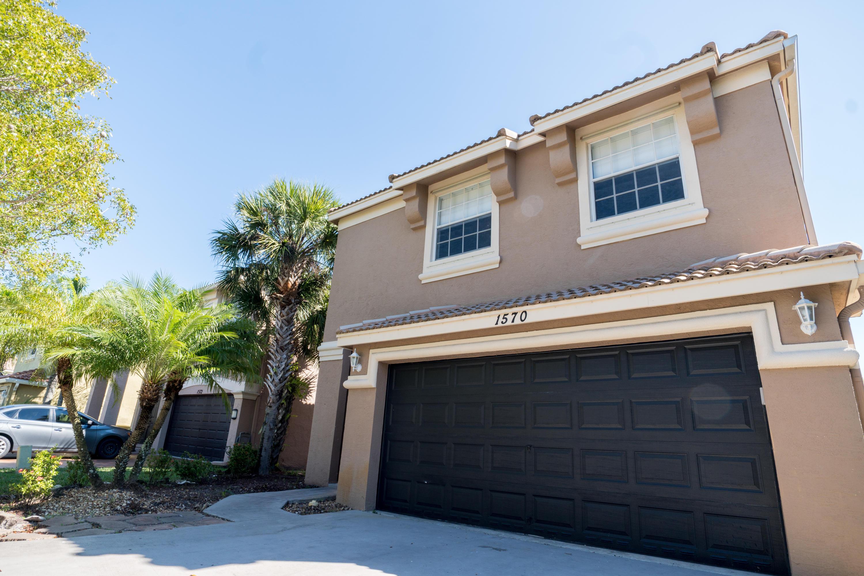 1570 Briar Oak Drive Royal Palm Beach, FL 33411