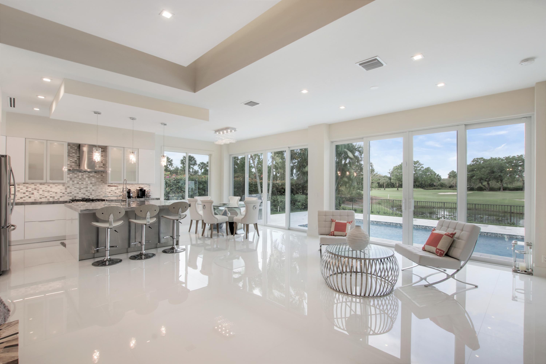 124 Golf Village Boulevard, Jupiter, Florida 33458, 3 Bedrooms Bedrooms, ,3 BathroomsBathrooms,F,Villa,Golf Village,RX-10548156