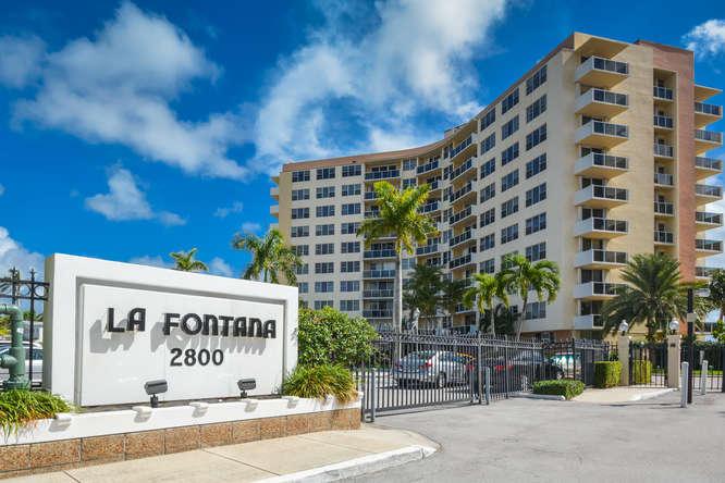 Home for sale in La Fontana West Palm Beach Florida