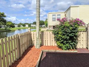 1586  Shaker Circle  For Sale 10605839, FL