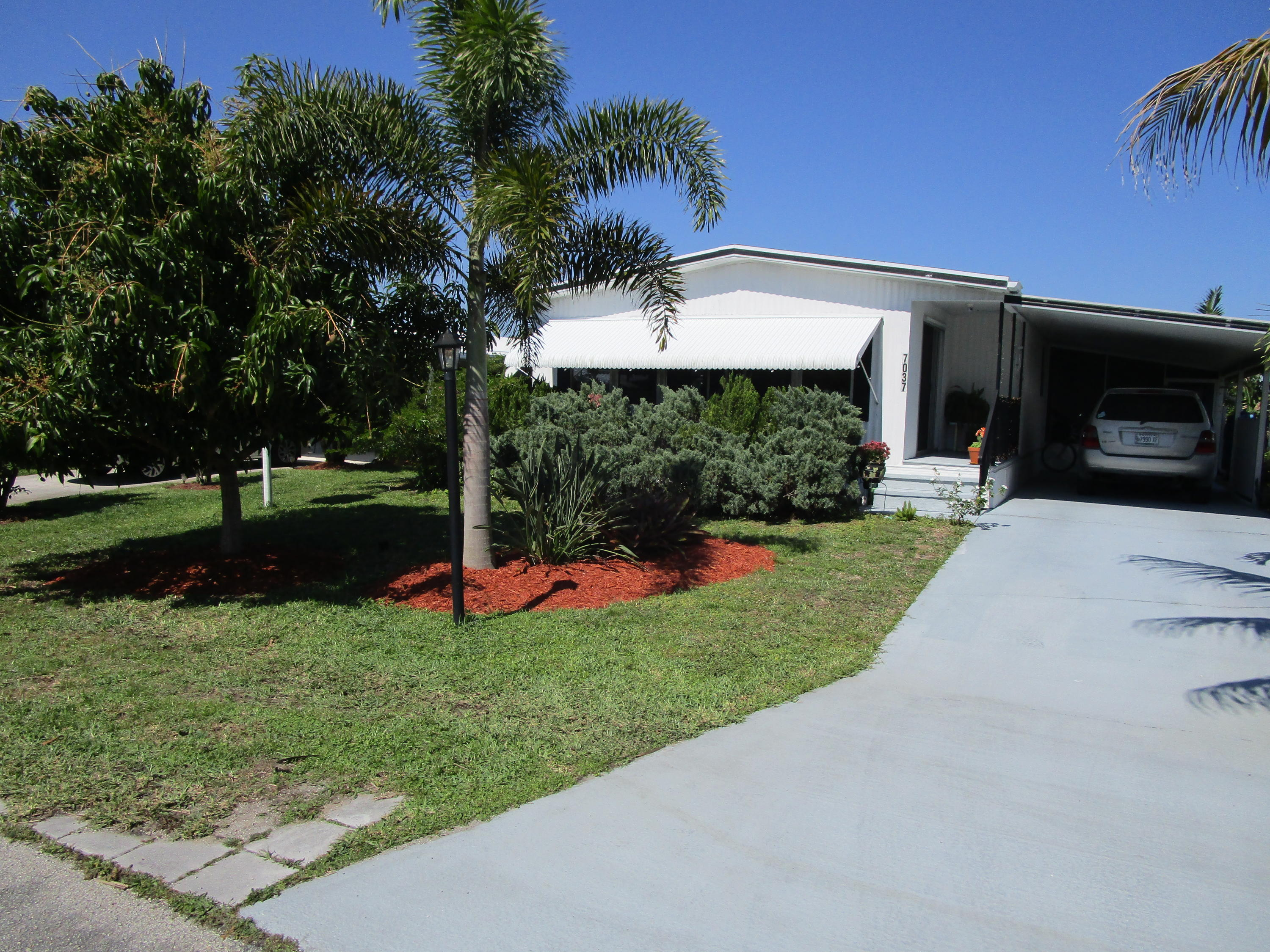 Home for sale in HERITAGE RIDGE SOUTH SEC 1 Hobe Sound Florida