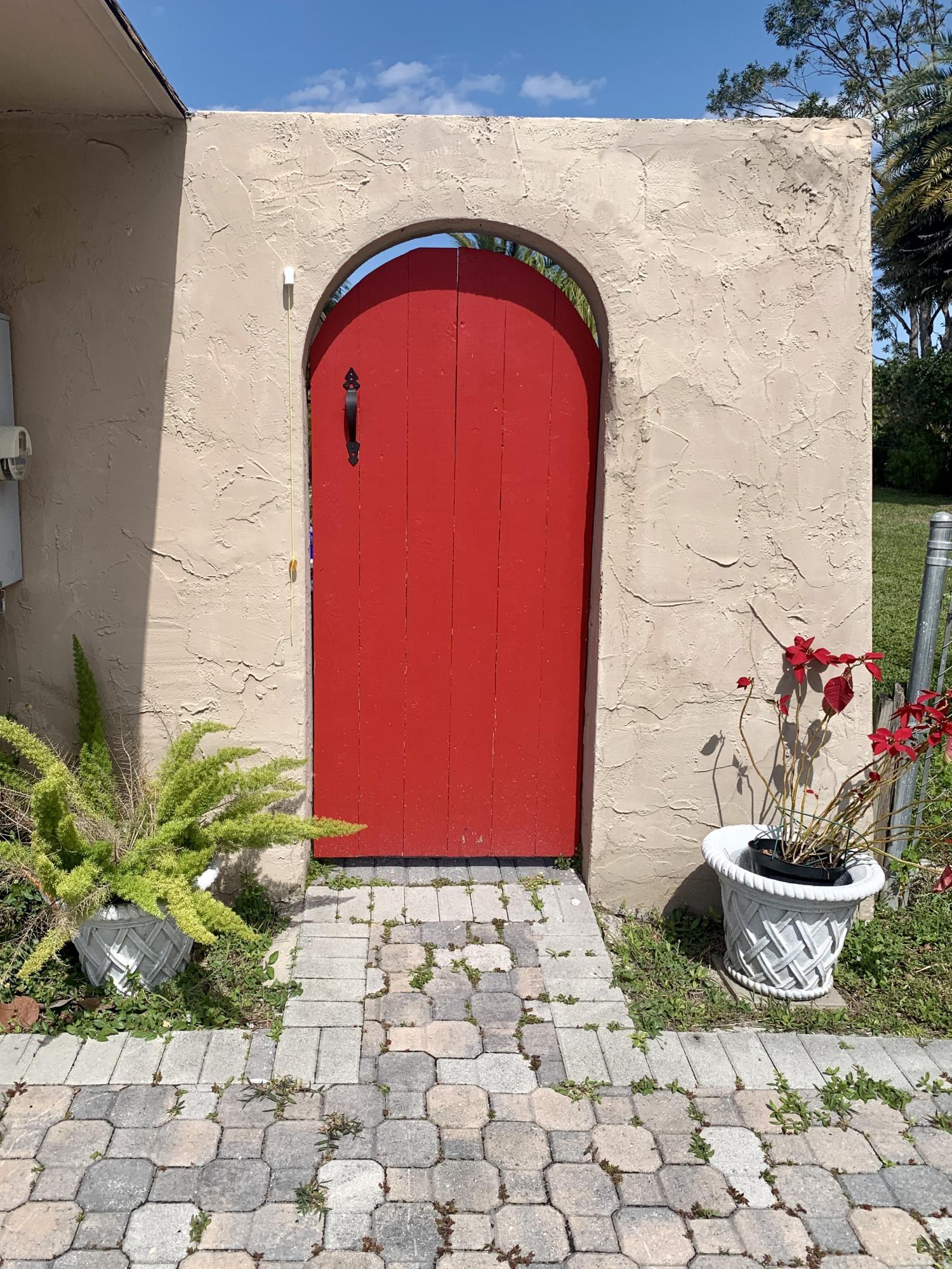 7431 Canal Drive Lake Worth, FL 33467