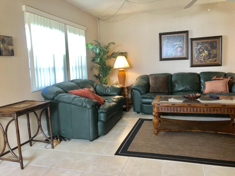 637 Burgundy N  Delray Beach, FL 33484