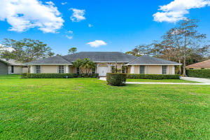 15410  Woodmar Court  For Sale 10606200, FL