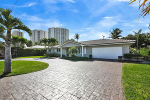1243  Yacht Harbor Drive  For Sale 10606218, FL