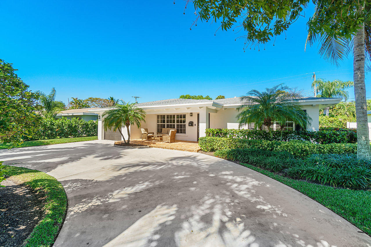 521 Lake Drive, Delray Beach, Florida 33444, 3 Bedrooms Bedrooms, ,2.1 BathroomsBathrooms,Single Family Detached,For Sale,Lake,RX-10606458