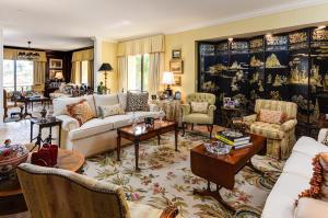 150  Bradley Place 201 For Sale 10606524, FL