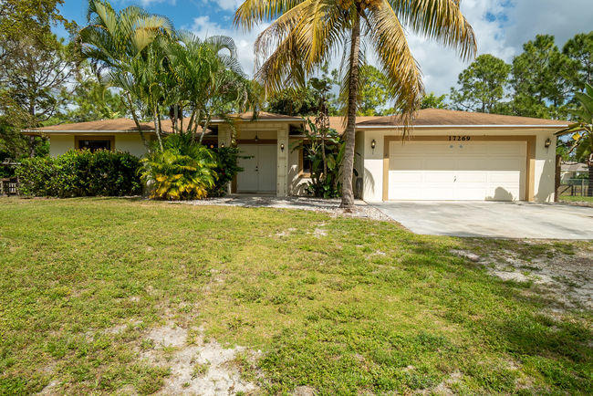 Home for sale in Acreage & Unrec The Acreage Florida