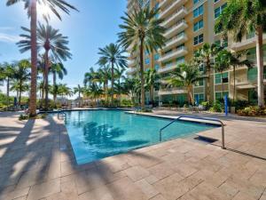 625  Casa Loma Boulevard 202 For Sale 10606629, FL