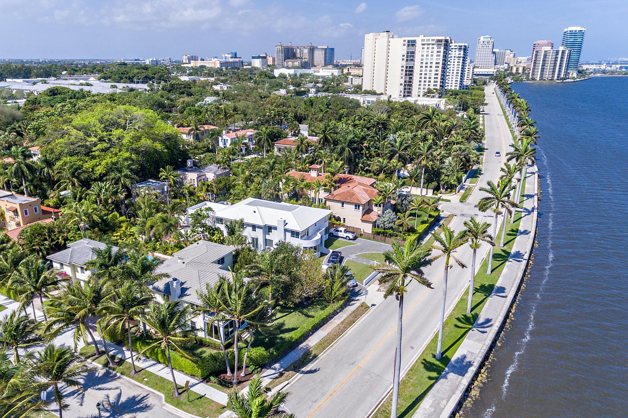 2121 Flagler Drive, West Palm Beach, Florida 33401, 5 Bedrooms Bedrooms, ,5 BathroomsBathrooms,Residential,For Sale,Flagler,RX-10604350