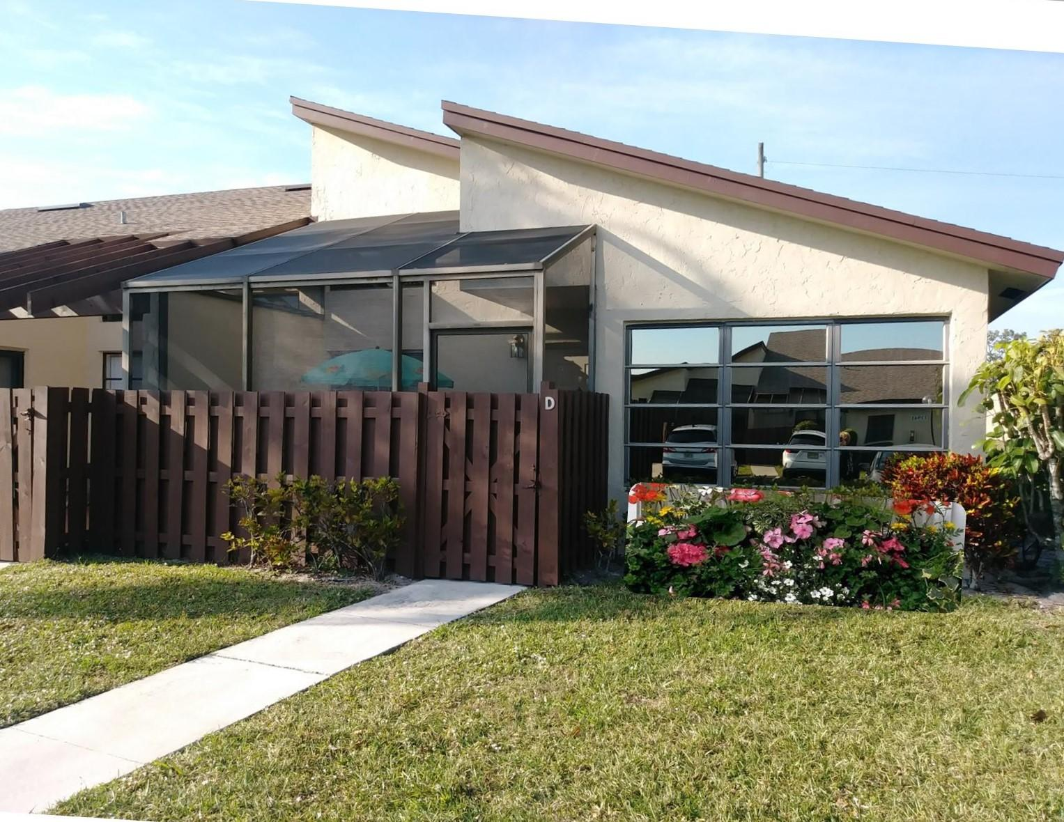Home for sale in HIGH POINT OF DELRAY WEST CONDO SEC 3 Delray Beach Florida