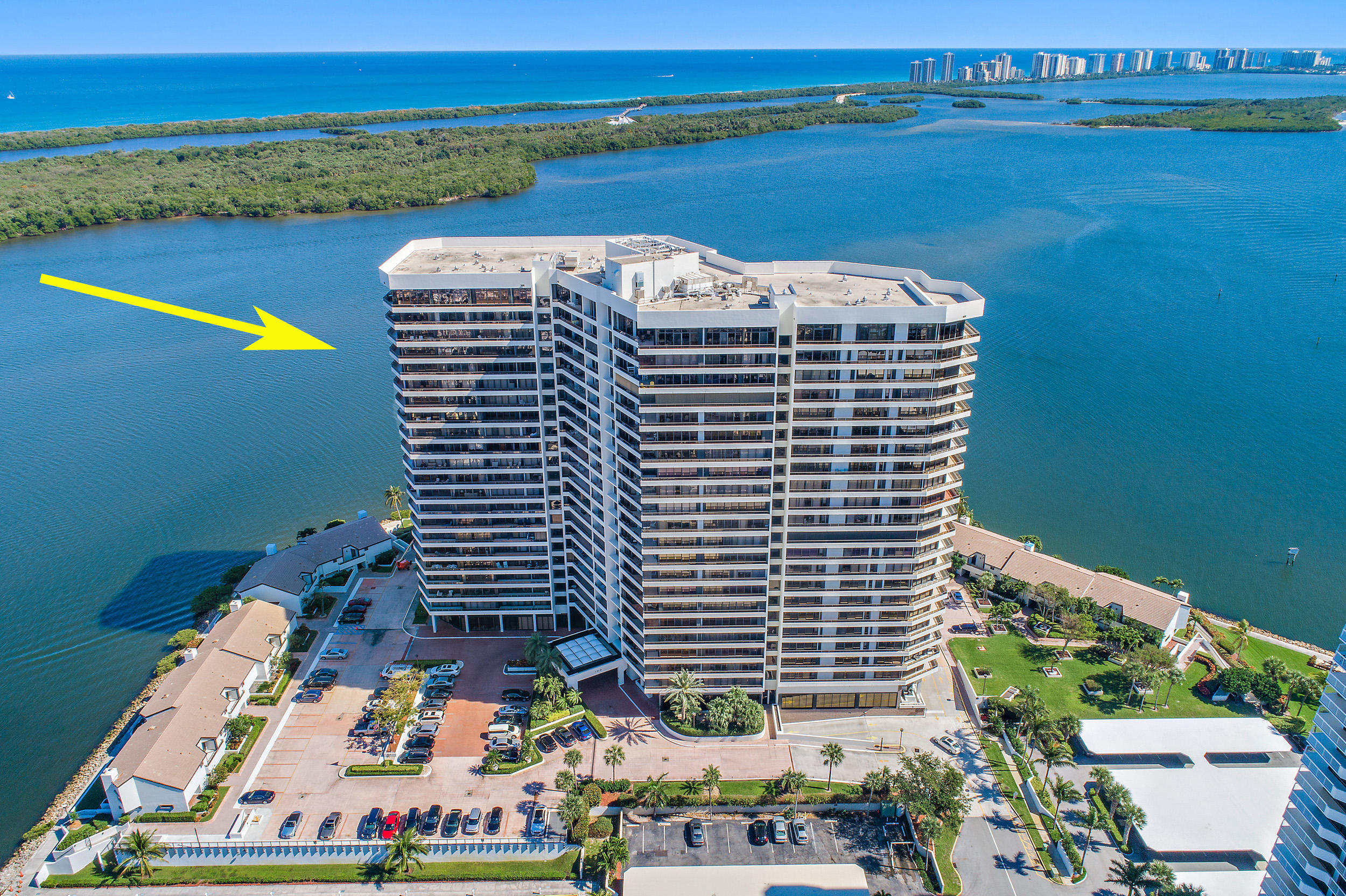 100 Lakeshore Drive 1851, North Palm Beach, Florida 33408, 3 Bedrooms Bedrooms, ,3.1 BathroomsBathrooms,A,Condominium,Lakeshore,RX-10605831