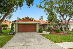 10715  Santa Laguna Drive  For Sale 10608511, FL