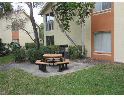 Photo of 1053 The Pointe Drive, West Palm Beach, FL 33409