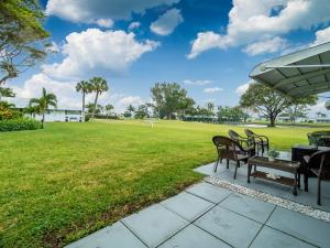 400 SW Golfview Terrace 112 For Sale 10608058, FL