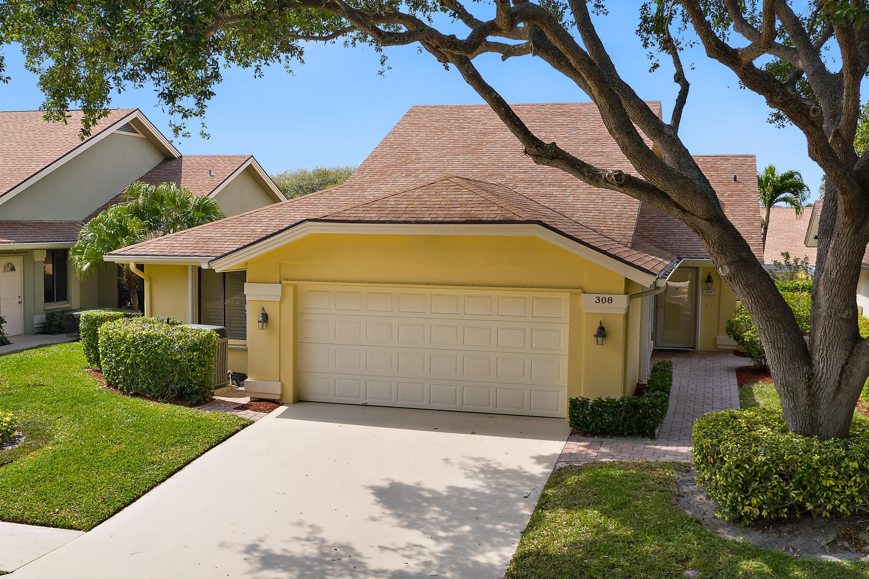 Home for sale in ridge at the bluffs Jupiter Florida