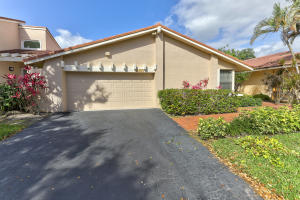 665  Hollows Circle  For Sale 10608333, FL
