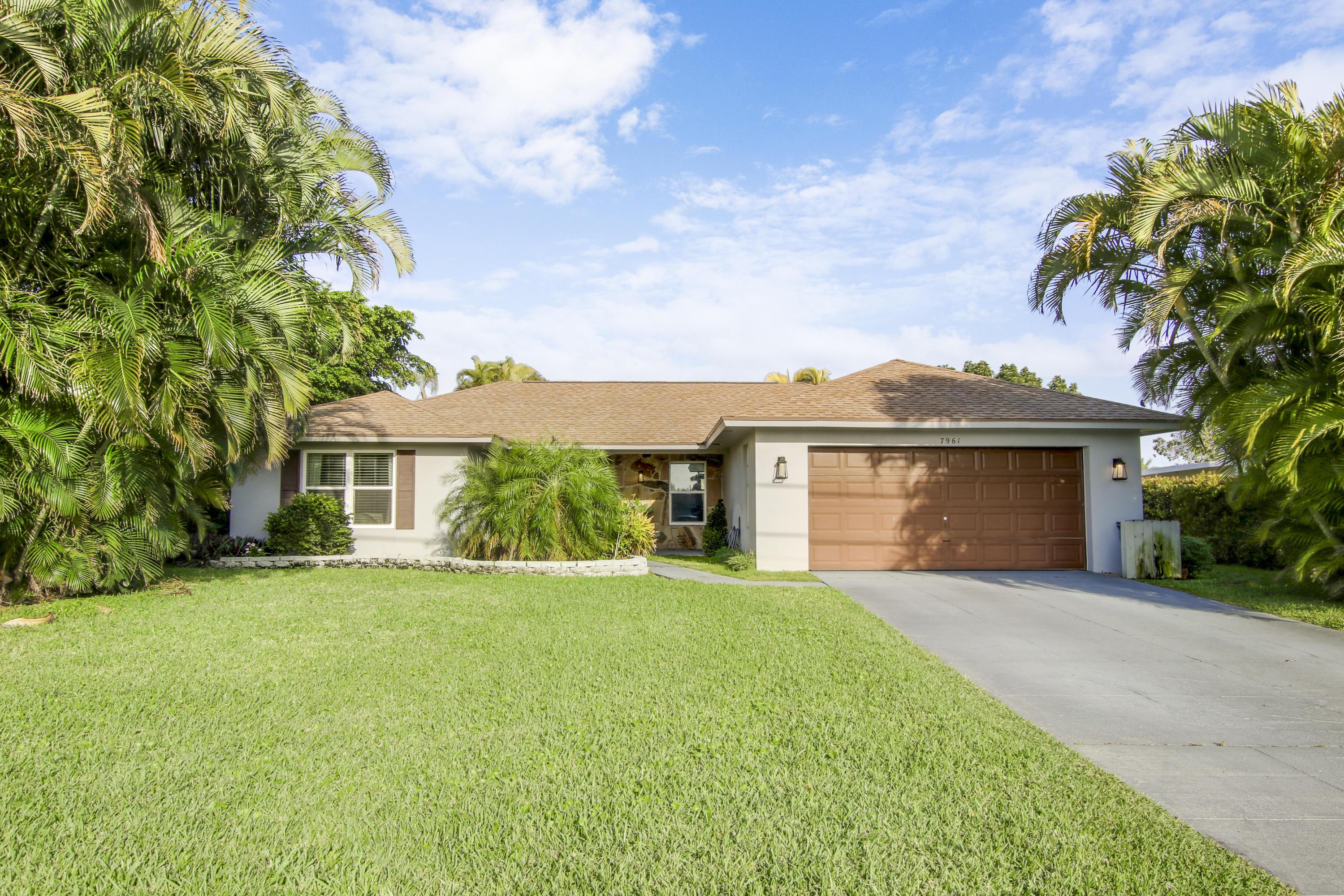 7961 W Lake Drive Lake Clarke Shores, FL 33406