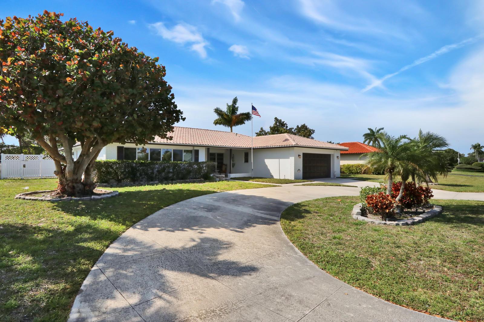 7565 Palm Road Lake Clarke Shores, FL 33406