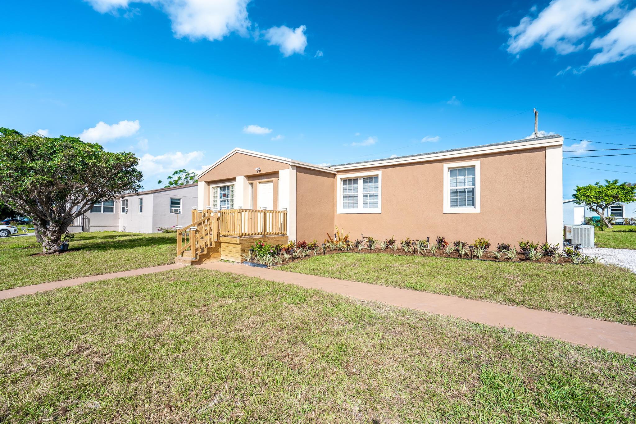 Home for sale in BOYNTON HILLS IN Boynton Beach Florida