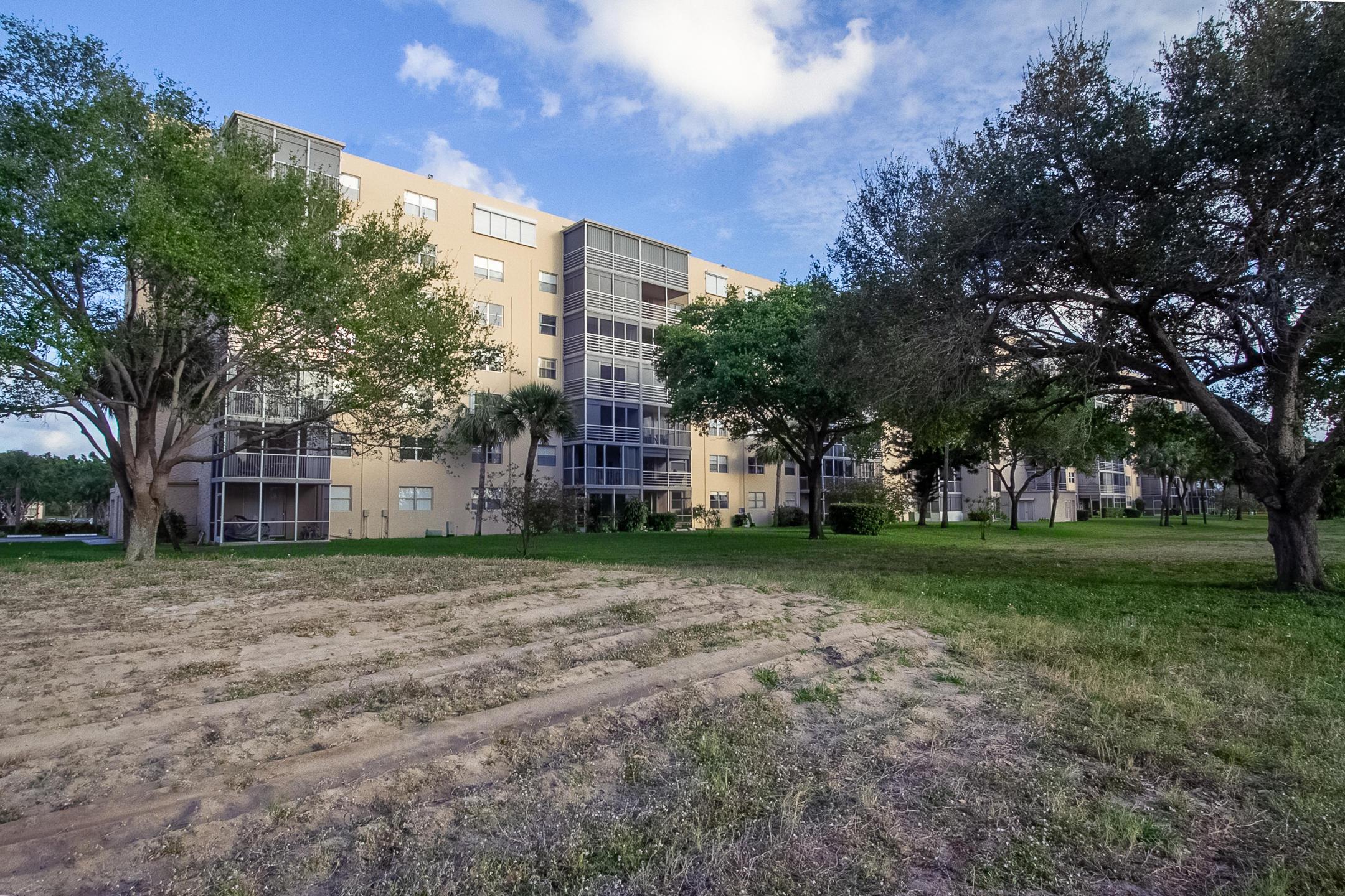 5961 2nd Avenue, Boca Raton, Florida 33431, 2 Bedrooms Bedrooms, ,2 BathroomsBathrooms,Rental,For Rent,2nd,RX-10608815