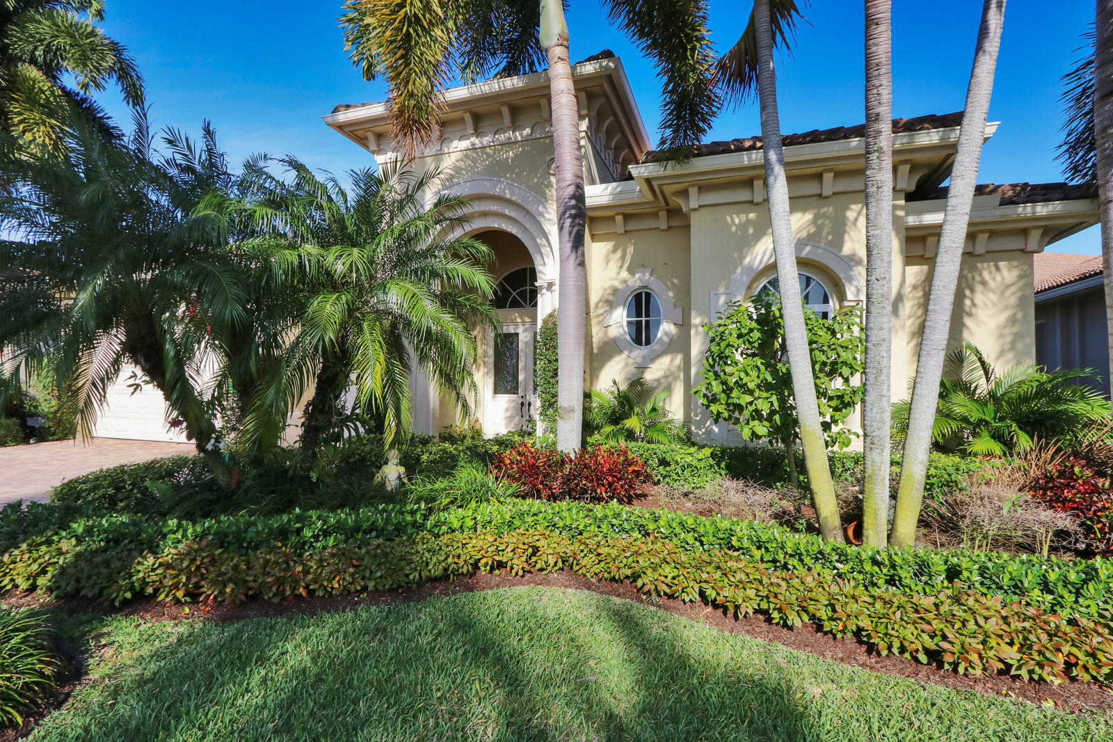 222 Montant Drive, Palm Beach Gardens, Florida 33410, 4 Bedrooms Bedrooms, ,3.1 BathroomsBathrooms,A,Single family,Montant,RX-10610143